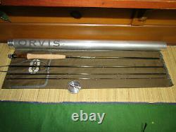Orvis Recon 4 ps. 9ft. 5wt. 2 5/8 Fly Rod Ex. Plus condition with bag and tube
